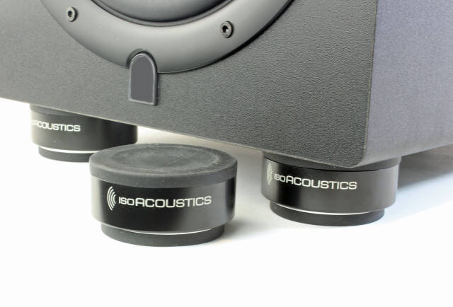 ISO-PUCK-Speaker-2